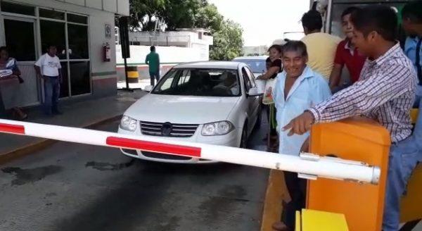 Ojitecos bloquean nuevamente caseta de Caracol