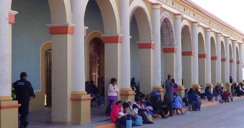 Transparencia exigen regidores y agentes al edil de Tlaxiaco