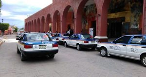 Protestaron transportistas en palacio de Huajuapan
