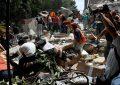 Sube a 319 cifra de muertos por sismo en México