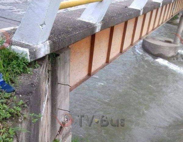 Por Sismo, puente Valle Nacional presenta daños en su estructura