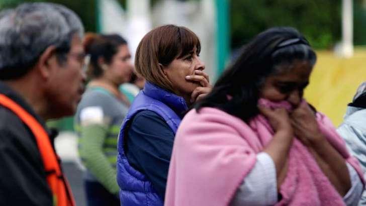 Muere mujer de infarto tras sismo de 6.1 grados