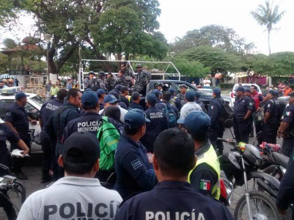 En plena contingencia paran labores Policías de Juchitán