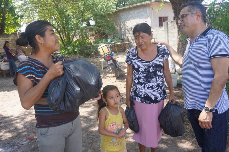 Se solidariza Carol con familias afectadas por sismo en Ixtaltepec