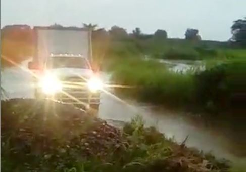Por lluvias no hay paso al rastro TIF, Davila sigue sin construir el puente