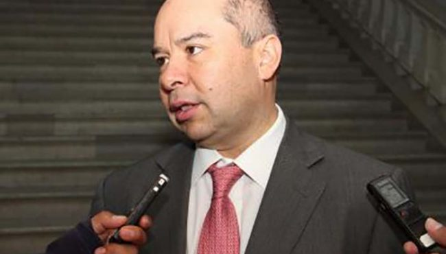 Detienen a ex secretarios de finanzas de Gabino Cué