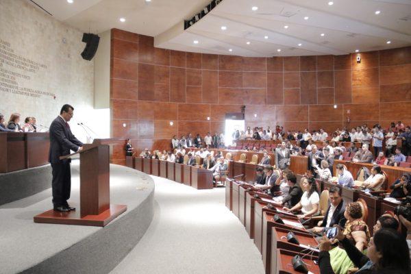 Se solidariza 63 Legislatura con las víctimas y damnificados del sismo del 19 de septiembre, y guardan un minuto de silencio