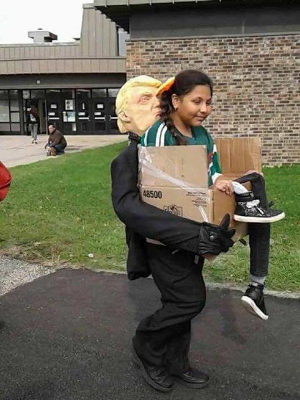 Disfraz para 'los deportados por Trump' causa controversia en Internet