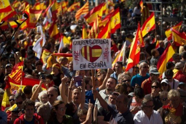 Puigdemont declara a Cataluña estado independiente