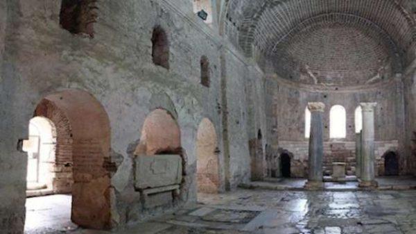 Arqueólogos afirman haber hallado la tumba de Papá Noel en Turquía