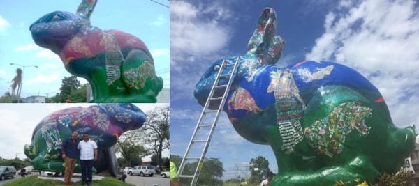 A seis meses, pintan el conejo, le cambian de color.