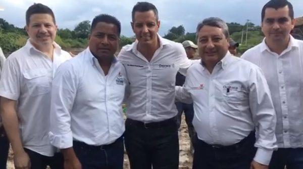 Kola Loka iba a comprar terreno en Tabasco, pero en Tuxtepec Dávila se lo regaló
