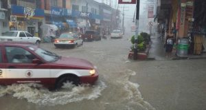 Piden comerciantes de Pinotepa apoyos por inundación