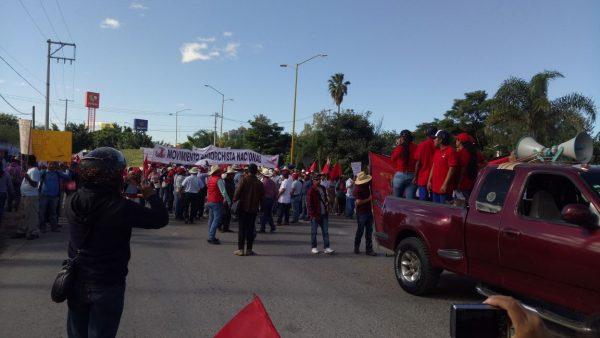Movimiento Antorchista de Oaxaca, marcha para exigir obras en su comunidad