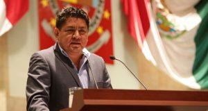 Exhorta Irineo Molina a Gobernador a que resuelva problema en sector salud