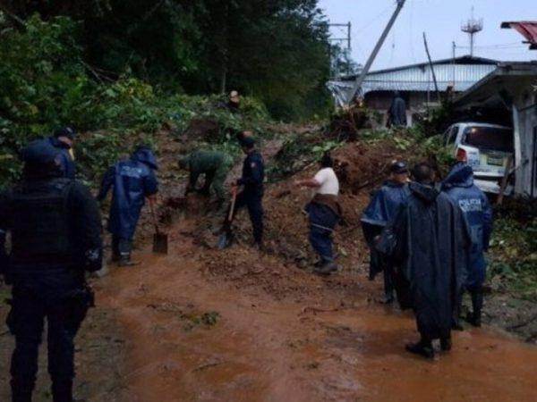 Lluvias provocan derrumbe sobre carretera Huautla de Jiménez–Tuxtepec