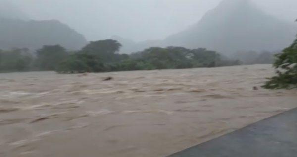 Emergencia en Usila, río a punto de desbordarse
