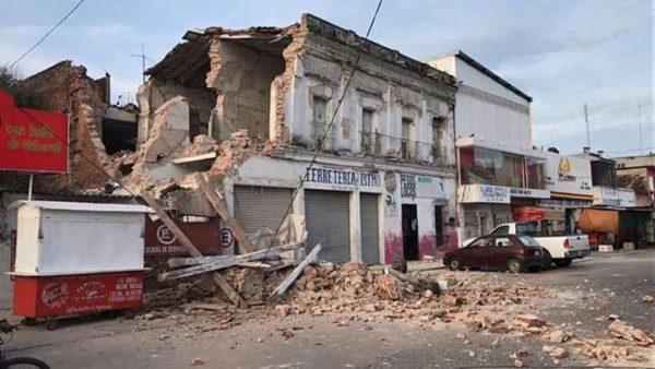 Anuncian entrega de tarjetas para reconstrucción de Juchitán