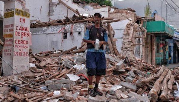 Pagan mil 185 pesos por retirar escombros de casas en el Istmo