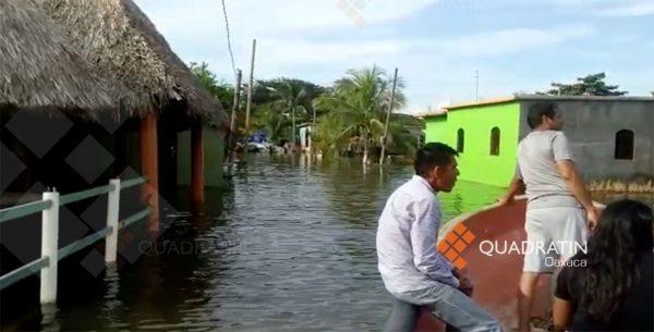 Inundan lluvias comunidades del Istmo en Oaxaca