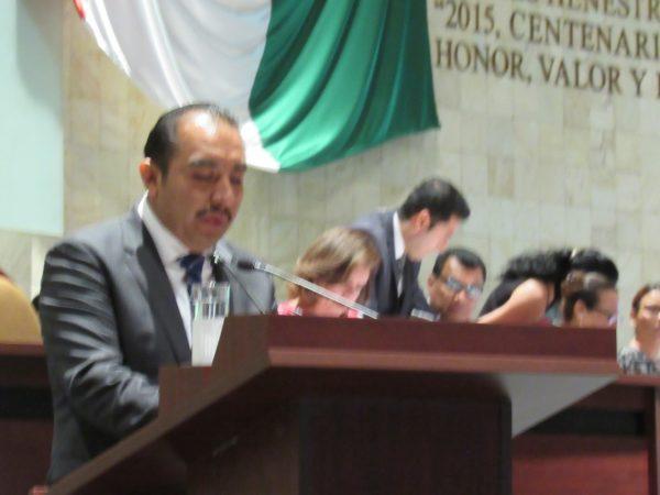 Presenta Horacio Antonio iniciativa en materia de asistencia y prevención de violencia familiar