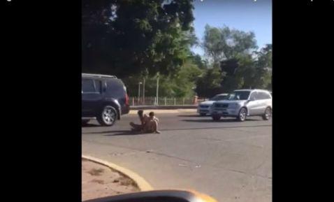Dejan a jóvenes atados y semidesnudos en calle de Culiacán; los acusan de ladrones (+videos)