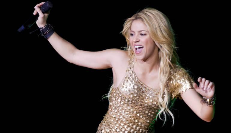 Shakira pospone gira por problemas de salud