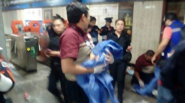 Mujer da a luz en estación del Metro en la CdMX