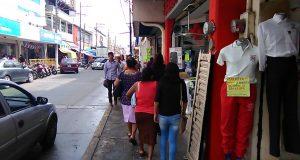 Buena afluencia de personas en comercios de Tuxtepec durante el Buen Fin