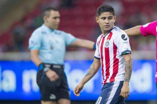 Chivas y Pumas preparan intercambio de jugadores