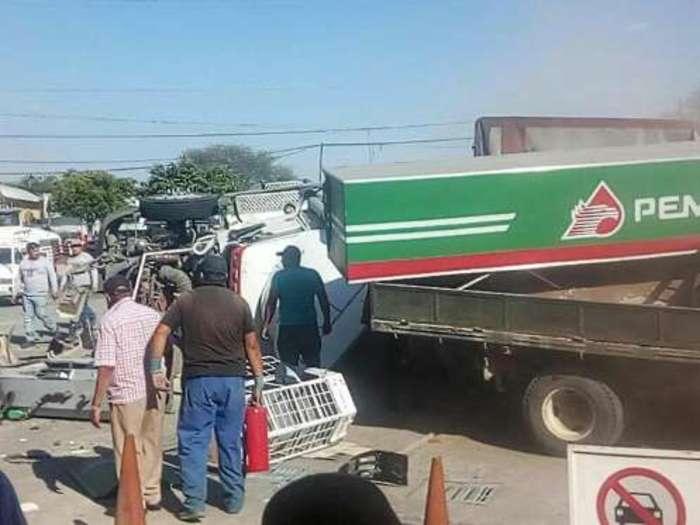 Accidente en Michoacán deja 6 muertos y 6 heridos
