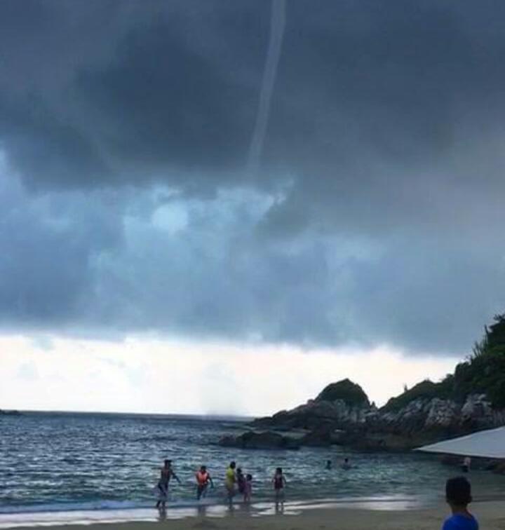 Sin daños por Tromba Marina en playa de Oaxaca: CEPCO