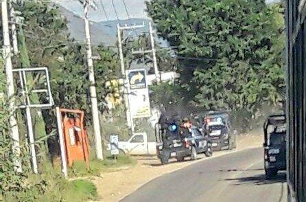 Se enfrentan mototaxistas en Xoxocotlán, hay dos heridos y  20 detenidos