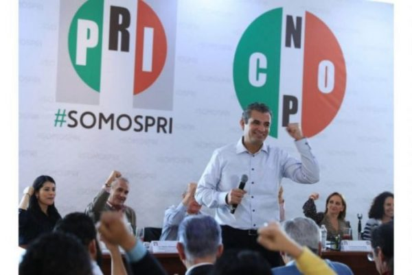Elección de 2018 será entre PRI y Morena, considera Ochoa
