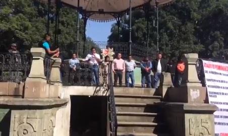 Profesores S-22 realizan mitin político en el Zócalo de Oaxaca
