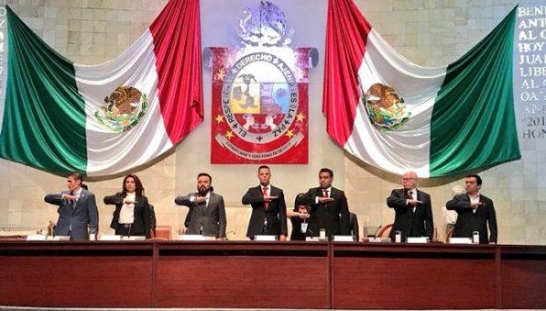 Entrega Alejandro Murat su primer Informe de Gobierno