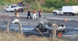 Deja 2 muertos y un herido choque en carretera a la Costa de Oaxaca