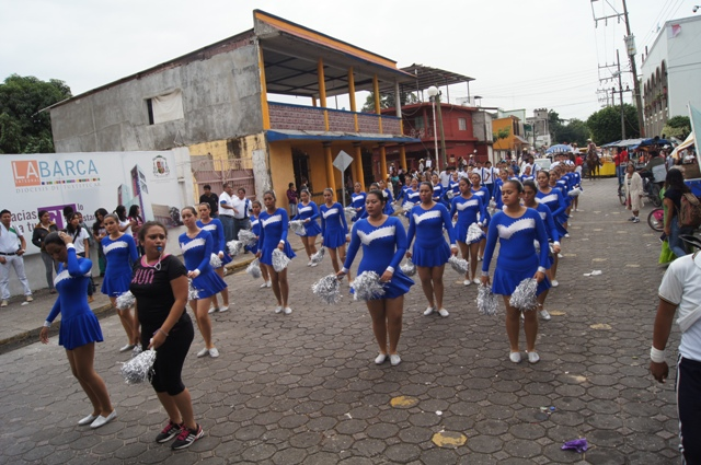 Agoniza desfile revolucionario en Tuxtepec; escuelas no quieren participar