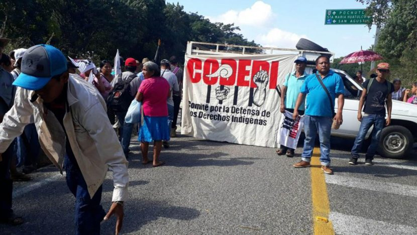 Bloqueo en rechazo a las ZEE en la Costa de Oaxaca