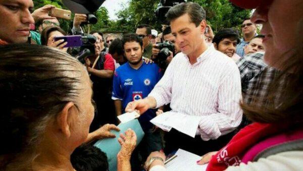 Clonan tarjetas de ayuda a damnificados en Oaxaca