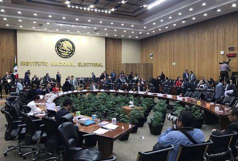 INE multará a partidos con 536 mdp por anomalías en 2016