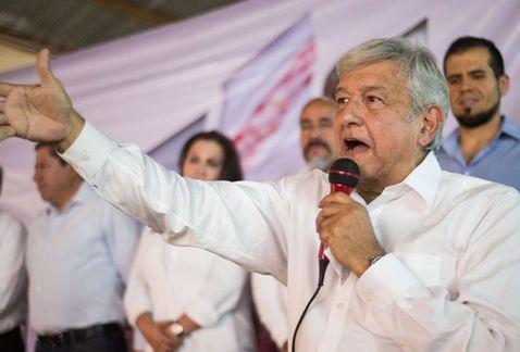 AMLO pide que candidatos participen en tres debates