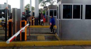 Continúa vandalismo y extorsión a conductores en casetas de Oaxaca