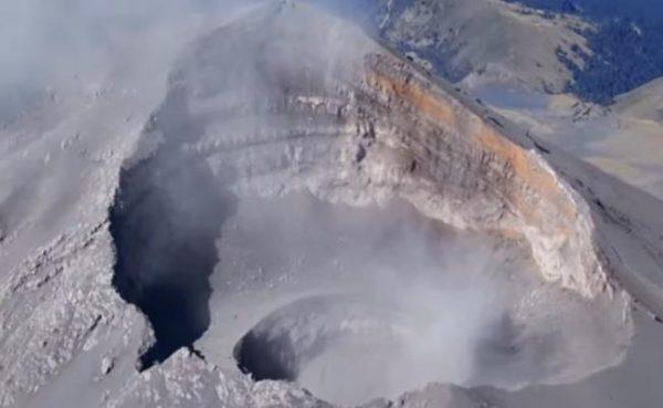 Video. Hallan segundo cráter dentro del volcán Popocatépetl