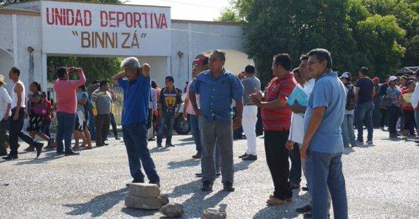 CNTE marcha en Juchitan para pedir reconstrucción de escuelas