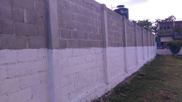 Inaugura Dr. Fentanez construcción de barda en jardín de niños en Camelia Roja