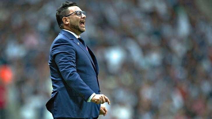 Mohamed se sumaría a candidatos para dirigir a Independiente