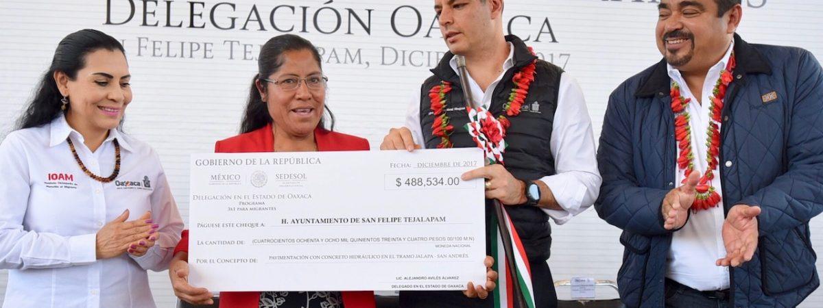 Entrega AMH recursos del Programa 3×1 para Migrantes a municipios de Oaxaca