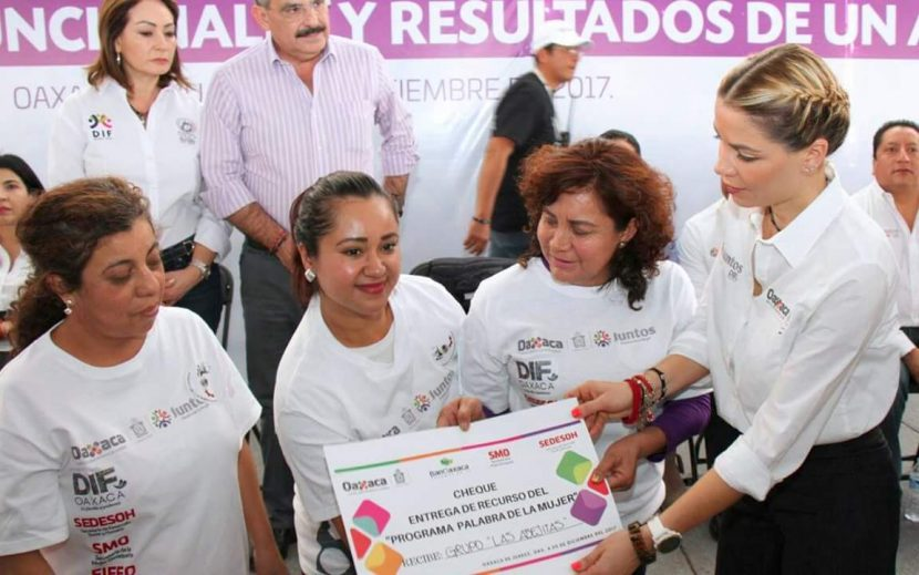 "Ivette Morán de Murat encabeza programa ""Juntos"" en la capital oaxaqueña"