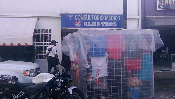 Permiso de puesto ambulante frente a farmacia Albatros es para venta en carretilla: Dirección de Comercio